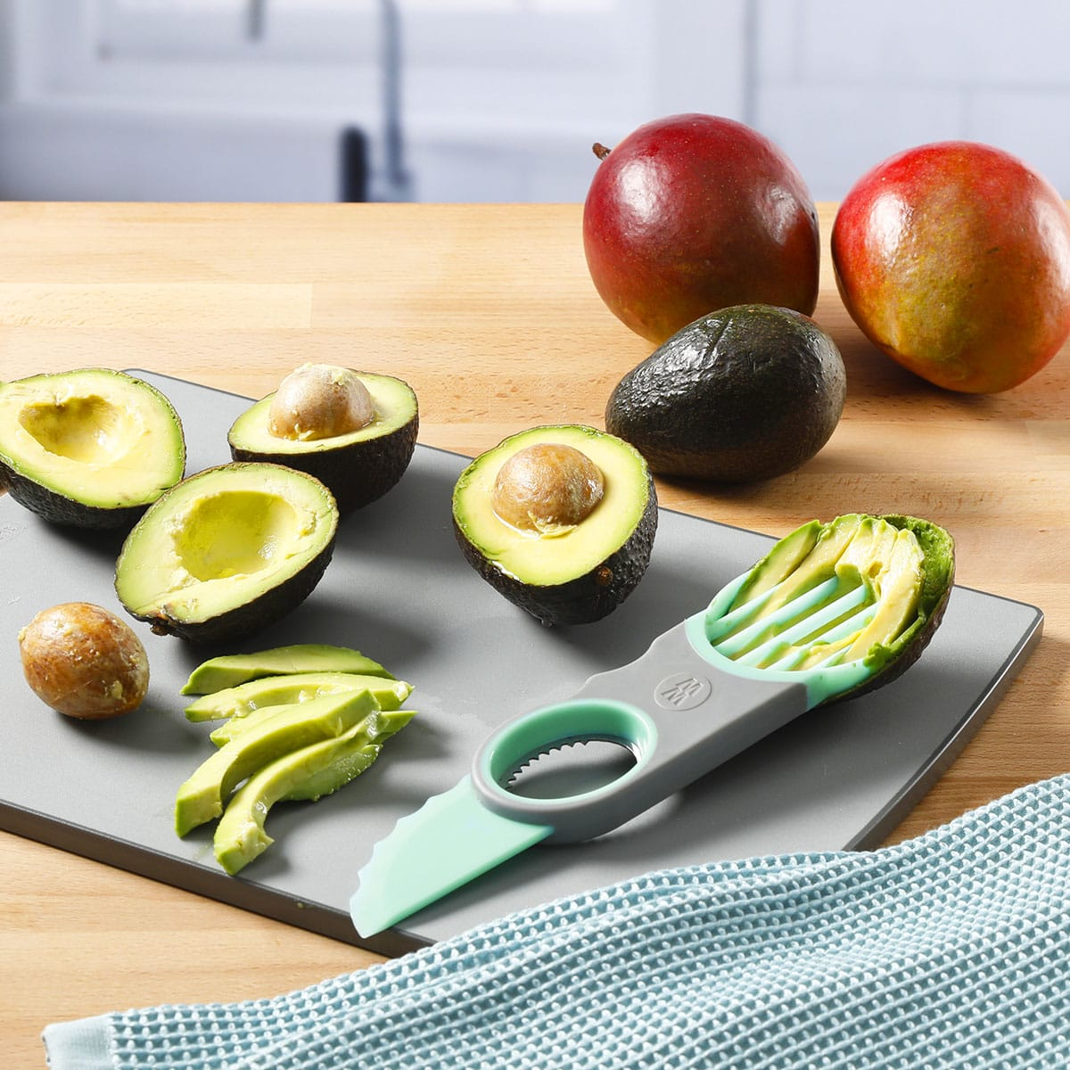 3-in-1 Avocado Tool - alternate view