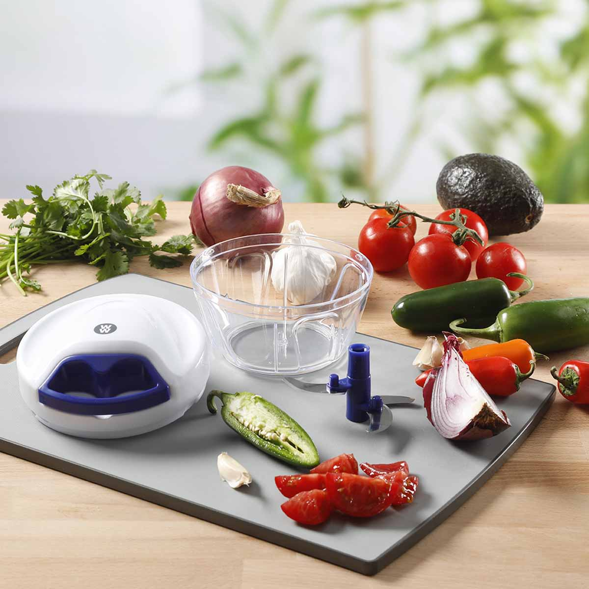Pull String Food Processor - lifestyle